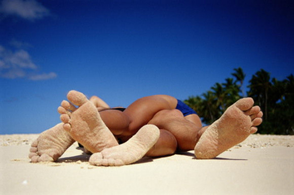 Секс на пляже быстрое видео пост